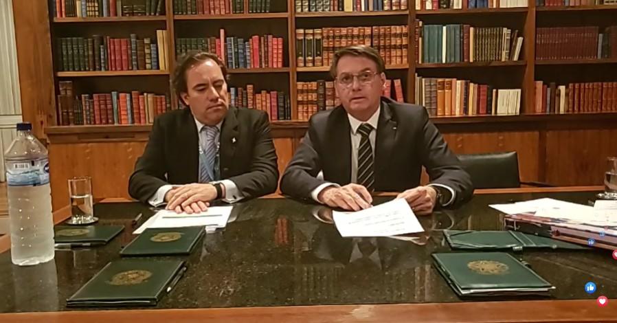 BOLSONARO LIVE CÁSSIO ROMERO - Em live, Bolsonaro volta a citar Cássio e elogia Romero Rodrigues; VEJA VÍDEO