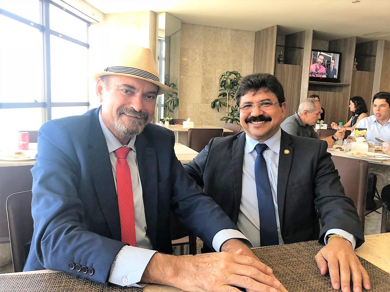 Deputados Jeová Campos PB e Antônio Fernando PE - Jeová e Antônio Fernando se reúnem em Recife para traçar ações conjuntas para obras da Transposição