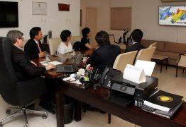 João Azevêdo apresenta oportunidades de investimentos da Paraíba ao embaixador de Taiwan