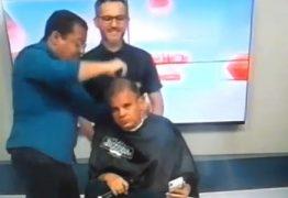 PROMESSA É DÍVIDA: Emerson Môfi raspa cabeça após Flamengo levar título da Libertadores – VEJA VÍDEO