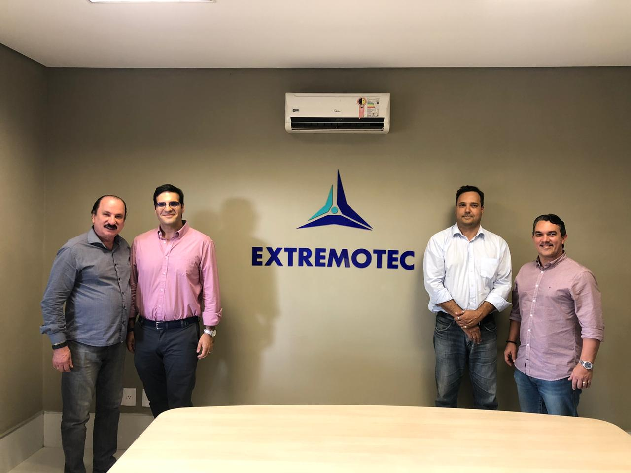 Reunião com representante da Câmara de Comércio Brasil Portugal - Representante da Câmara de Comércio Brasil Portugal visita Extremotec e firma parceria para 2020
