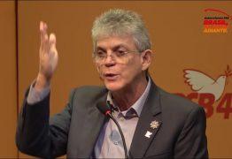 Em evento do PSB, Ricardo Coutinho critica polarização no Brasil e prega 'guerra ao neoliberalismo'; VEJA VÍDEO