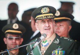 VERGONHA: Militares ficam constrangidos com fala de Eduardo Bolsonaro sobre AI-5
