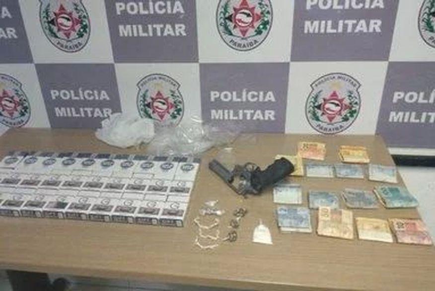 apreensao pb - Polícia apreende 30 carteiras de cigarro e 14 pedras de crack na Paraíba
