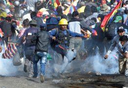 """Confrontos deixam 5 mortos e 22 feridos na Bolívia; Evo fala em """"massacre"""" – VEJA VÍDEOS"""