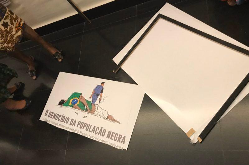 daniel silveira 1 e1574194130726 - Deputado do PSL vandaliza exposição sobre o Mês da Consciência Negra na Câmara - VEJA VÍDEOS
