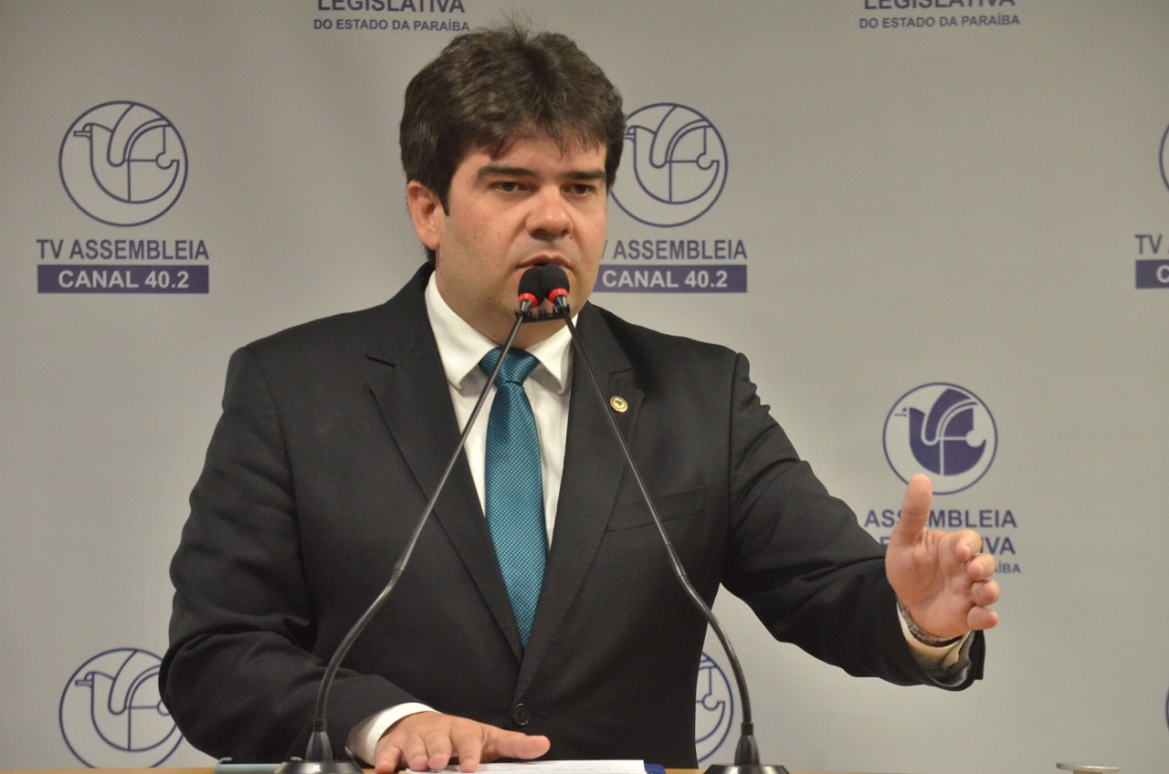 eduardo carneiro 1 - Estabelecimentos de João Pessoa não podem cobrar taxas extras ou multa por perda de bilhete de estacionamento