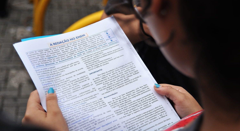 enem tem 1o dia de provas com redacao e1541327528448 - Medo da censura: estudantes evitaram opiniões polêmicas na Redação do Enem para não perder pontos