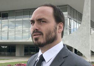 f 468513 300x212 - Polícia investiga participação de Carlos Bolsonaro no caso Marielle