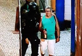 Sequestro em bar: depois de horas feito de refém, homem sai com expressão tranquila e segurando cerveja – VEJA VÍDEO