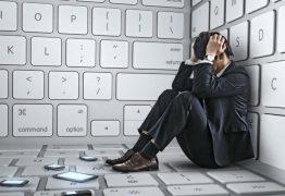 41% dos jovens revelam que a tecnologia gera tristeza e psicóloga alerta sobre casos de depressão