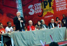 Condenados, Dirceu, Vaccari e Delúbio vão a congresso do PT e são aplaudidos