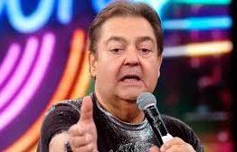 """Faustão se irrita e xinga funcionário de """"imbecil"""" no Domingão – VEJA VÍDEO"""