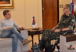 Luciano Huck apaga post dizendo que Evo Morales errou e faz tuíte político: 'Espero que a Bolívia restabeleça a sua democracia'