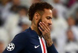 Depois de ser posto no banco de reserva, Neymar adota silêncio no PSG