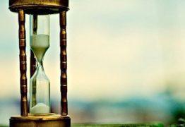 O tempo não passa, você é que passa por ele – Por Rui Leitão