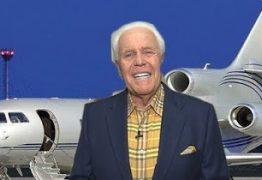 """Pastor pede doações aos fieis para comprar seu terceiro avião e diz: """"É a vontade de Deus"""""""