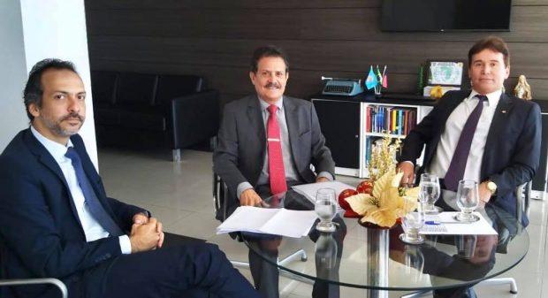 tião - Tião Gomes participa de reunião com presidente do TJ e trata da reestruturação de cartórios na Paraíba