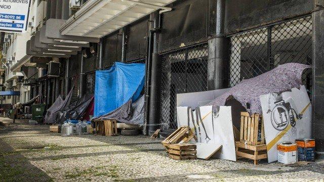 x85735812 ri rio de janeiro rj 17 11 2019 moradores de ruamoradores de rua que montam uma estrutur.jpg.pagespeed.ic .ZOlvBgO1TG - Moradores de rua criam 'puxadinhos' com direito a tv e 'ambientes divididos'