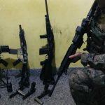 1 fuzis 14774689 150x150 - Bope apreende três fuzis, pistolas e duas granadas em operação