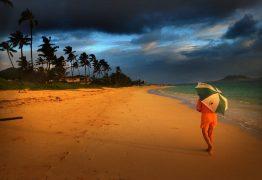 Helicóptero de turismo com 7 pessoas desaparece no Havaí