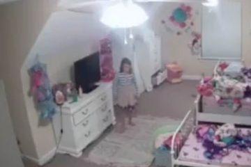 22143302 0 image m 4 1576140675890 360x240 - 'Papai Noel': Hakcer invade câmera de segurança e conversa com menina - VEJA VÍDEO