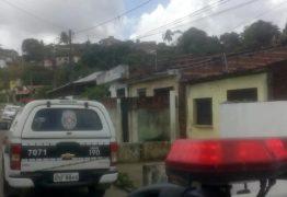 Polícia investiga morte de rapaz morto a tiros e facadas na casa da sogra em Santa Rita
