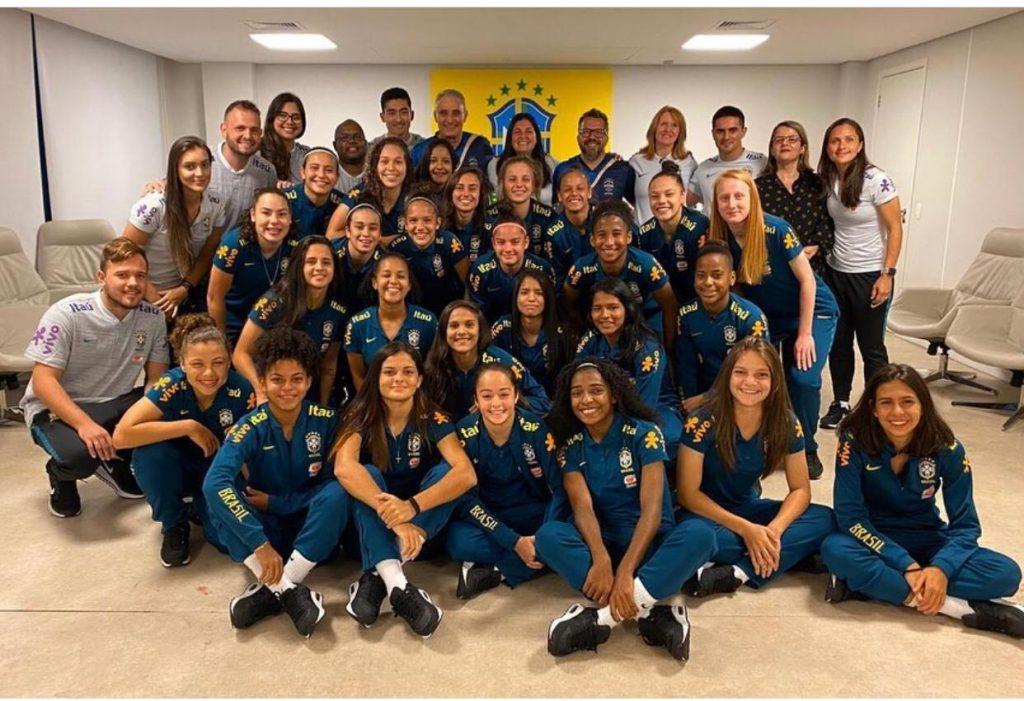 68eb7bc9 291a 48e8 93c3 0d0996393ff8 1024x701 - NOVA PROMESSA PARA O BRASIL: Jogadora paraibana, Joyce Andrade, é destaque na seleção feminina de futebol
