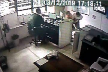 85bdd440 1759 11ea b8df 6eb9559df320 360x240 - Advogada é agredida por vizinho após receber encomenda por engano