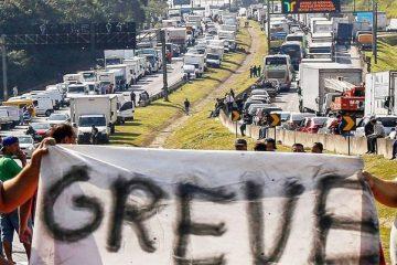 903fb3ff c526 4b50 8eca c52e7a06fd5c 360x240 - O PESADELO SE APROXIMA: Caminhoneiros confirmam início da greve às 6h do dia 16