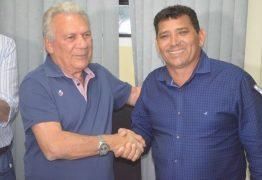 URGENTE: prefeito de Cajazeiras tira licença e vice assume interinidade