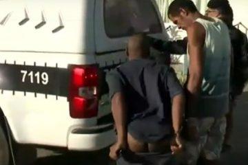 EXIBIDO: Preso em operação policial em Santa Rita aproveita cobertura da TV para mostrar 'bumbum' – VEJA VÍDEO