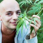 Cannabis and cancer 1 1024x681 150x150 - BRISA DIFERENTE: Quem realmente parece 'doidão' quando o assunto é maconha?