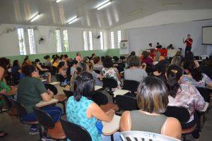 DSC 0049 edited 300x200 - Servidores de educação de Campina Grande aprovam indicativo de greve para 2020