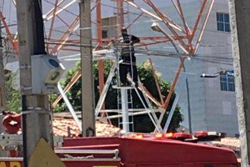 IMG 20191206 WA0096 360x240 - Homem sobe em torre de telefonia no centro de Catolé do Rocha