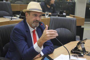Jeová Campos defendeu os dois PLs que foram aprovados por unanimidade 360x240 - PL's aprovados pela ALPB prestam homenagem  a dois paraibanos que serão nome de escola e de rodovia