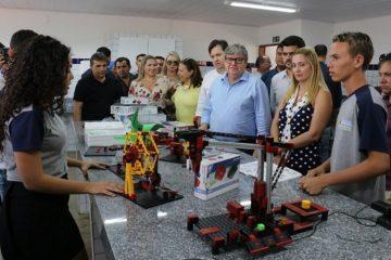 João Azevêdo 360x240 - A grande expectativa é sobre o novo partido de João Azevêdo - Por Nonato Guedes