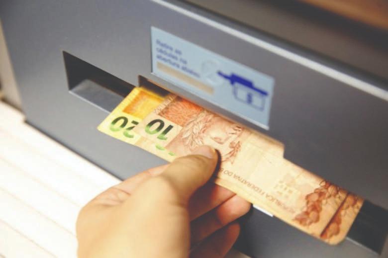 PAGAMENTO DINHEIRO - Prefeitura de JP anuncia datas dos pagamentos de salários de julho