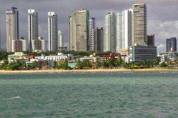Praia do Cabo Branco   João Pessoa   PB   panoramio 1200x545 c 360x240 - João Pessoa está entre as capitais com o menor preço do metro quadrado, revela pesquisa
