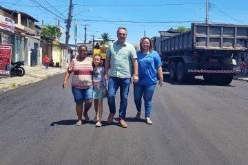 Prefeito Luciano Cartaxo acompanha obras do Ação Asfalto em Mangabeira