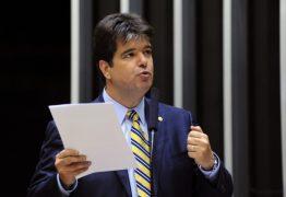 'Esse jogo da velhíssima política não tem mais cabimento', diz Ruy sobre agressões de Ricardo contra João