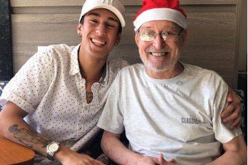 Avô com Alzheimer decora música que neto fez em sua homenagem e emociona internet