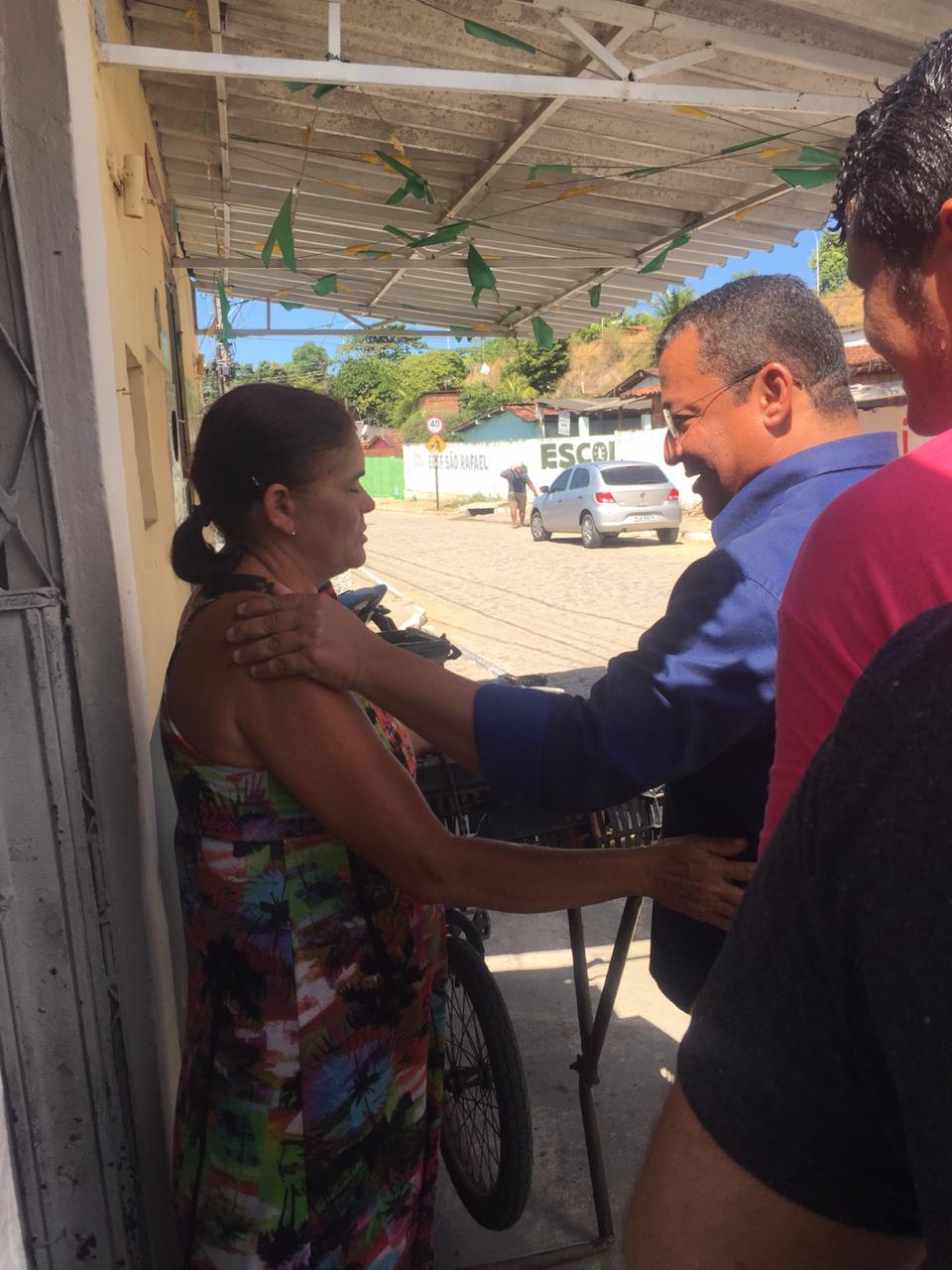WhatsApp Image 2019 12 08 at 15.56.24 - ANIVERSÁRIO DA SÃO RAFAEL: Nilvan Ferreira faz ação de pré campanha em comunidade