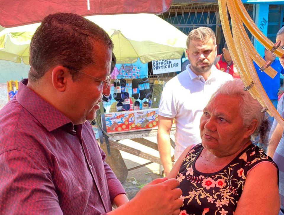 WhatsApp Image 2019 12 14 at 16.55.40 e1576354023483 - Nilvan Ferreira aproveitou o sábado para escutar população do mercado do Rangel