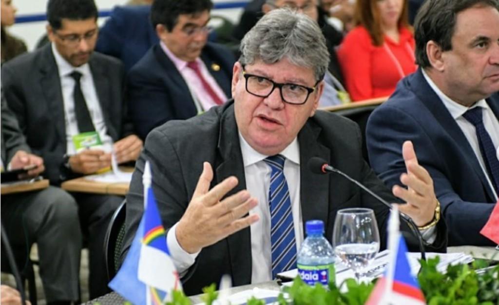 azevedo1 - Azevêdo já é cobrado para demonstrar mais habilidade política - Por Nonato Guedes