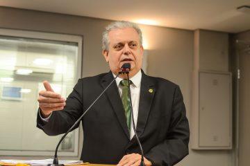 bosco 360x240 - João Bosco critica reforma previdenciária dos servidores da Paraíba