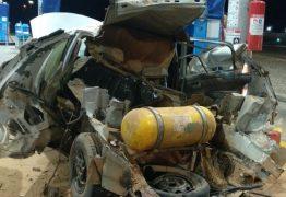 PERIGO: Carro explode durante abastecimento em posto – VEJA VÍDEO
