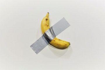 comedian obra de maurizio cattelan a venda na art basel em miami beach 1575642153183 v2 900x506 360x240 - Obra de banana com fita adesiva é vendida por R$ 500 mil em feira nos EUA