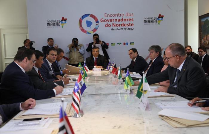 consórcio nordeste governadores - João Azevêdo e os 8 governadores do NE se manifestaram contra relatório do PL que altera Lei do Saneamento Básico