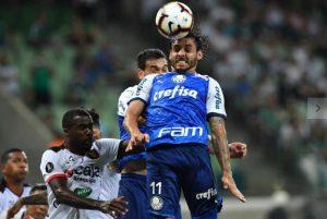cruzeiro 300x201 - E meio a crises técnica e financeira, Cruzeiro cai pela primeira vez